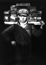 Hod carrier, 1928 • Gelatin silver print • Collection August Sander Archive • © August Sander Archive/Artists Rights Society (ARS), New York • Photo courtesy of San Francisco Museum of Modern Art  •