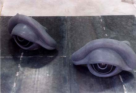 Louise Bourgeois: Eye-Benche II, 2002