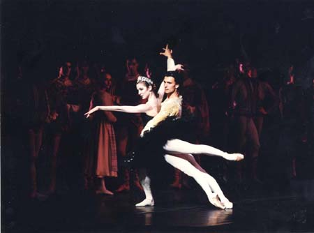 Agn�s Letestu and Laurent Hilaire in Black Swan pas de deux