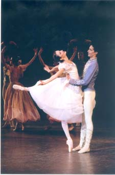 Agnes Letestu and Jose Martinez in Paquita