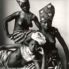 Irving Penn: Three Dahomey Girls, One Reclining, Dahomey, 1967 • Collection of the Artist • Courtesy Pace/MacGill Gallery, NY • Photo courtesy of the Maison européenne de la photographie  •   •