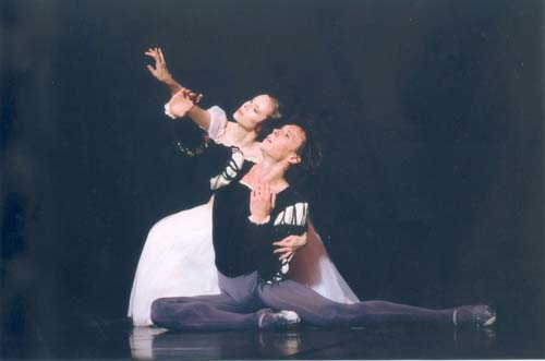 La�titia Pujol and Nicolas Le Riche in Giselle at the Paris Opera Ballet in 2004