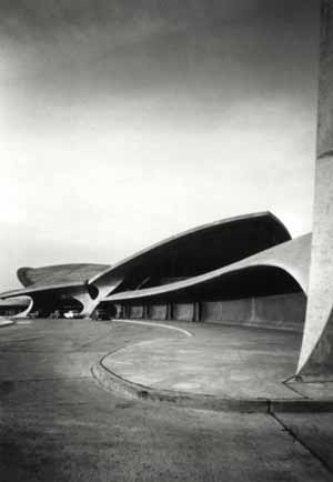 Eero Saarinen, TWA -Terminal, John F. Kennedy International Airport, New York. New York, 1962. Copyright Ezra Stoller/EstoPhoto courtesy of Helsinki Kunsthalle