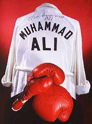 <P>Muhammad Ali: Gloves and Robe, 1975Photo courtesy of Smithsonian's National Museum of American History </P>