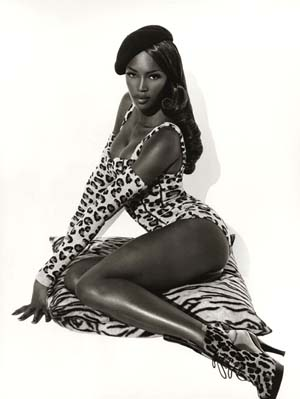 © Herb Ritts: <EM>Naomi Seated</EM>Hollywood, 1991Photo courtesy of Camera Work Gallery