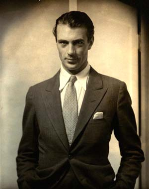Edward Steichen: Actor Gary Cooper, 1930Courtesy Condé Nast Archive, New York© Condé Nast Publications Photo courtesy of International Center of Photography