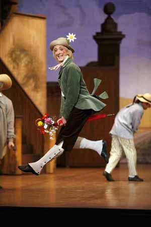 <EM>La Fille mal gardée</EM>Choreography: Frederick AshtonPhoto: Sebastien Mathé Photo courtesy of Opéra national de Paris