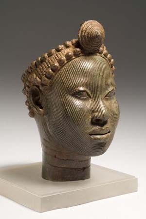 <P>Head with crownIFE, Wunmanije, Brass, Early 14th centuryCopper alloyPhoto courtesy of The British Museum </P>
