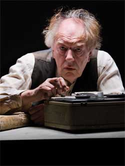 Michael Gambon in <EM>Krapp's Last Tape</EM>Photo courtesy of The Gate Theatre