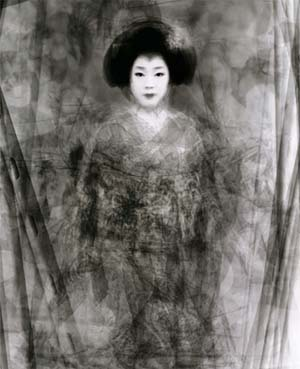 Ken Kitano: <EM>Portrait of Our Face</EM>Piling Portraits of 30 Geikos and Maikos Dancing the Special Kyo Dance in the SpringGelatin silver print, 177 x 142 cm Miyagawa Town, Kyoto (Japan 2003)