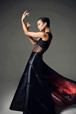 Vivienne Wong in Ralph Rucci Costume 2007<EM>C. to C. (Close to Chuck)</EM>American Ballet TheatreAmerican Ballet Theatre Collection, New YorkPhoto: Jo DuckMakeup courtesy Napoleon Perdis© Ralph Rucci
