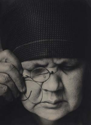 Alexander Rodchenko: <EM>Portrait of the Artist's Mother</EM>, 1924 Collection of the Moscow House of Photography Museum / Multimedia Art Museum, Moscow © A. Rodchenko – V. Stepanova Archive © Moscow House of Photography Museum