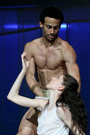 Amilcar Moret Gonzalez and Hélène Bouchet in <EM>Otello</EM>Photo: The Hamburg Ballet