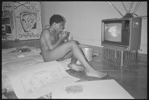 "<SPAN class=pie _extended=""true"">From a series of black and white 35mm nude portraits of Jean-Michel Basquiat made in 1983© Paige PowellCourtesy The Suzanne Geiss Company</SPAN>"