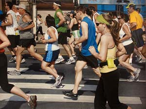 Mary Henderson: <EM>Broad Street Run</EM>, 2014Oil on panel30 x 40 in / 76.2 x 101.6 cmPhoto: Lyons Wier Gallery