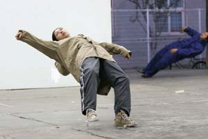 Xu Zhen: <EM>In Just a Blink of an Eye</EM>, 2005Performance