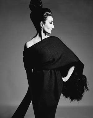 <SPAN class=inline-caption>Jacqueline de Ribes in Yves Saint Laurent, 1962Photograph by Richard Avedon© The Richard Avedon Foundation</SPAN>