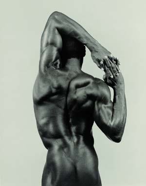 <P>Robert Mapplethorpe (1946-1989), <EM>Derrick Cross</EM>, 1983,Gelatin silver print, 48.5 × 38.2 cm.Promised gift of The Robert Mapplethorpe Foundation to the J. Paul Getty Trust and the Los Angeles County Museum of Art. © Robert Mapplethorpe Foundation. Used by permission.</P>